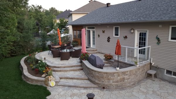 Outdoor multi-level BBQ patio